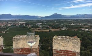 "Italy's Next ""It"" Wine Is Here and I Bet You've Never Heard Of It! Lugana DOC (VIDEO) 0"